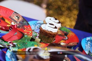 bakery items, birthday cup cakes