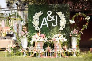 selfie booth, imported flowers, fresh flowers, flowers decor