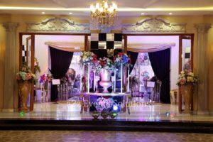 thematic entrance, fresh and imported flowers decor
