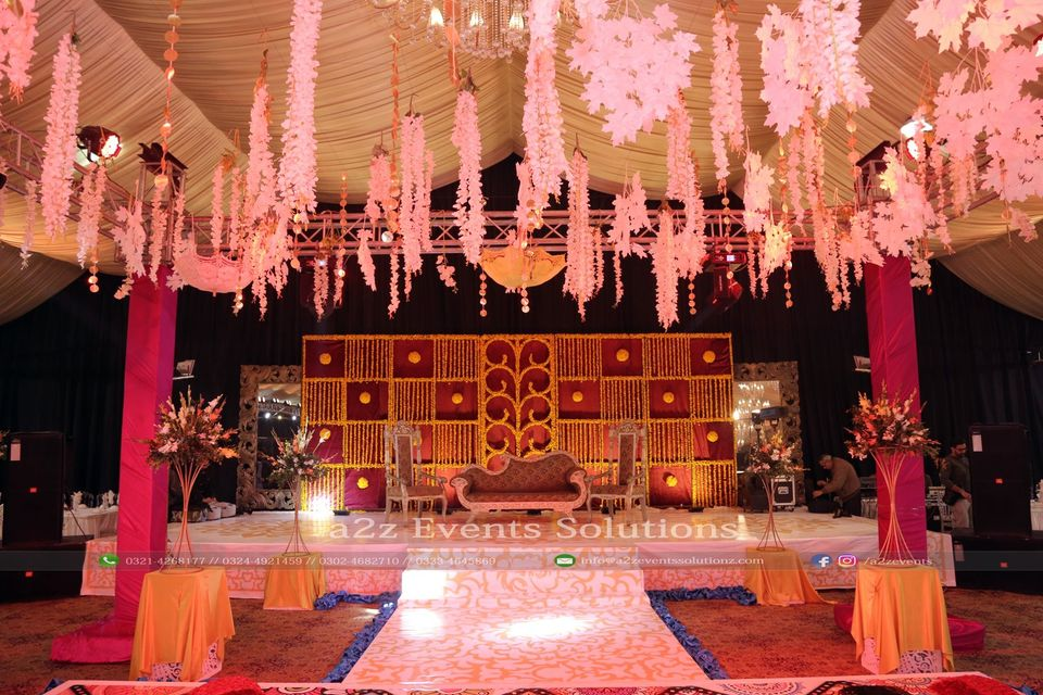 stages designers in lahore, mehndi grand stage decor