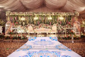 grand stage, stage decor