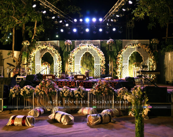 grand stage, floral decor